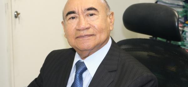 Presidente do TJPI impede votação do PLO de reajuste salarial aos servidores que ocorreria na ALEPI