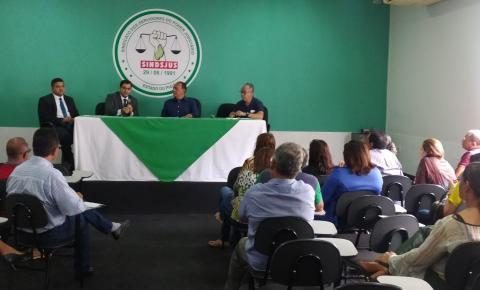 Atendentes e Oficiais Judiciários discutem pleito de seus interesses em reunião com o SINDSJUS/PI